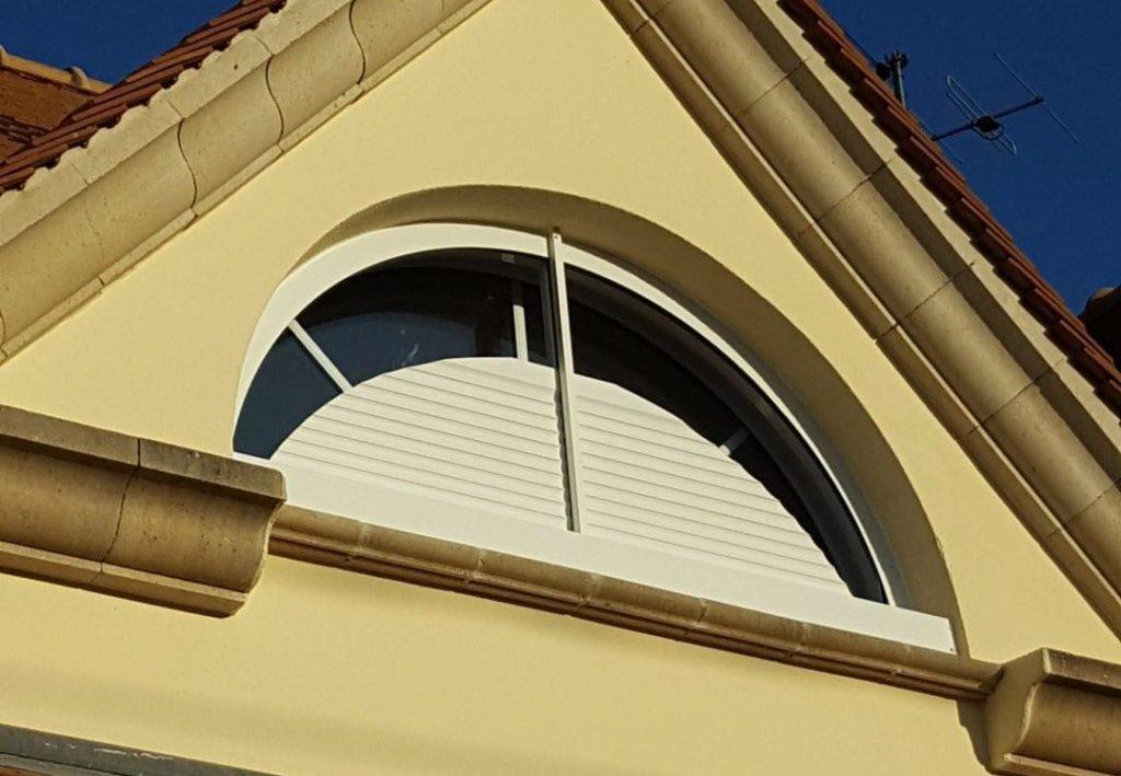 Volet Roulant Cintré Sur Fenêtre Demi Lune Weisz