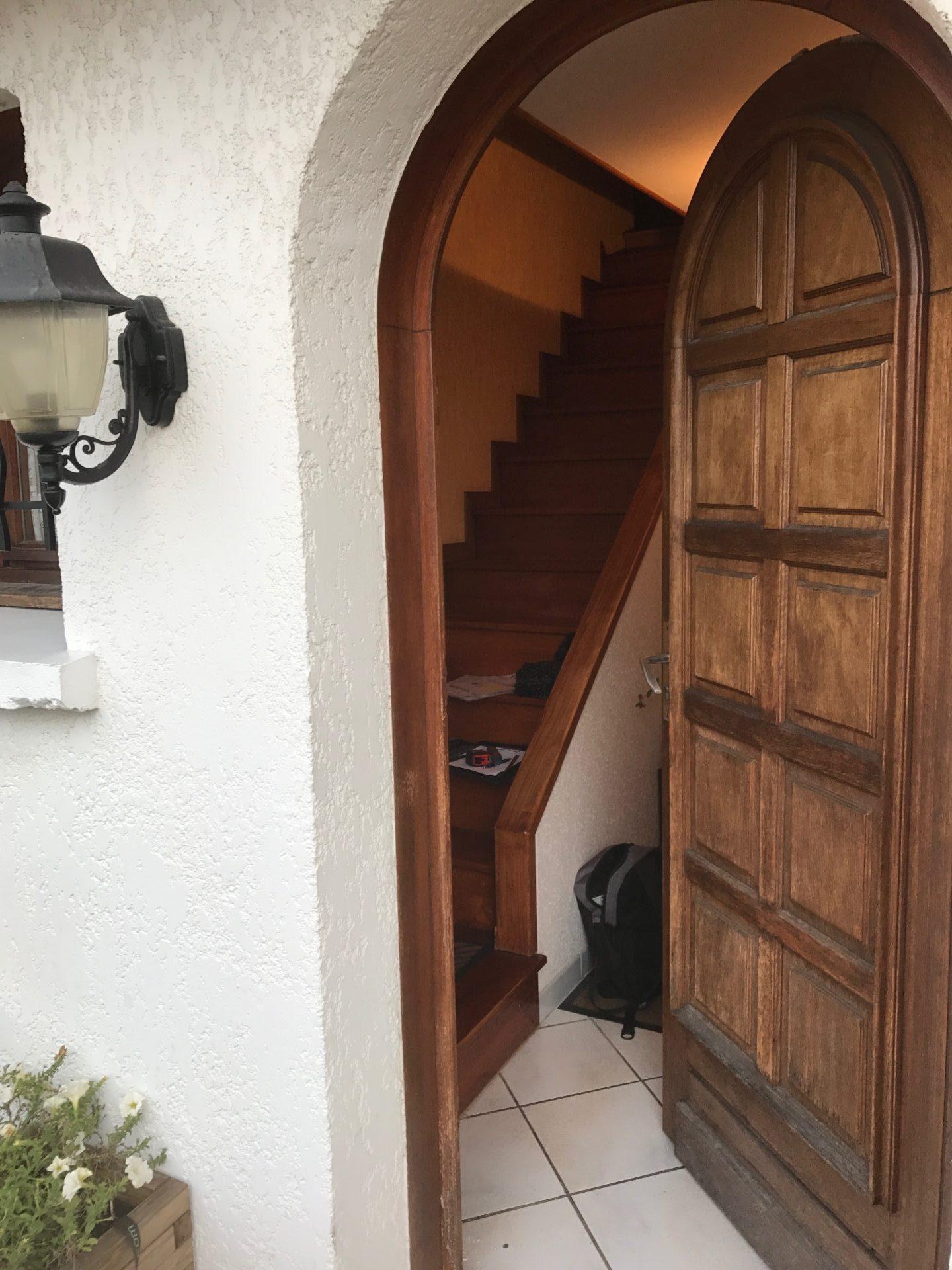 Porte cintrée en bois_Face extérieur- EISZ