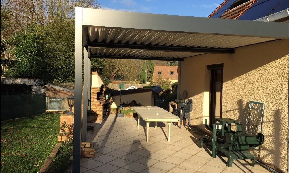 Installation d'une pergola en Essonne à Forges les Bains _Weisz